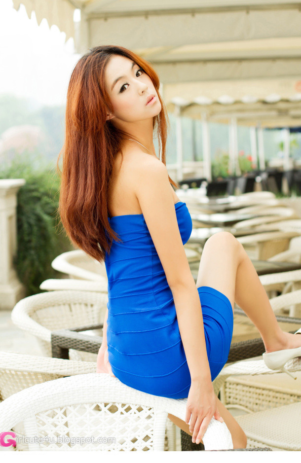 Xxx nude girls: Lu Yao in blue dress