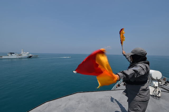 Bakamla RI Lepas Indian Coast Guard Ship Shaurya 16