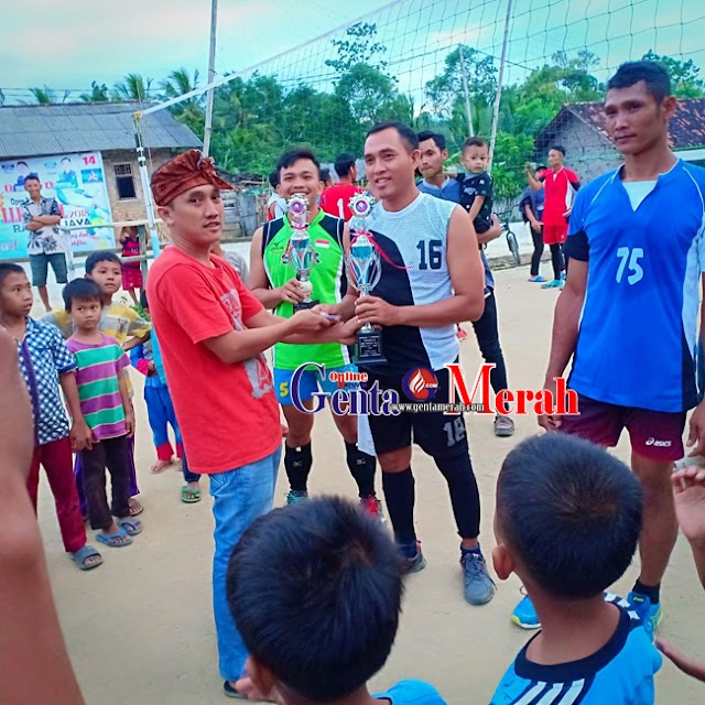 Club Volly Ball Donomulyo Sabet Juara Satu Muharis Open Turnamen