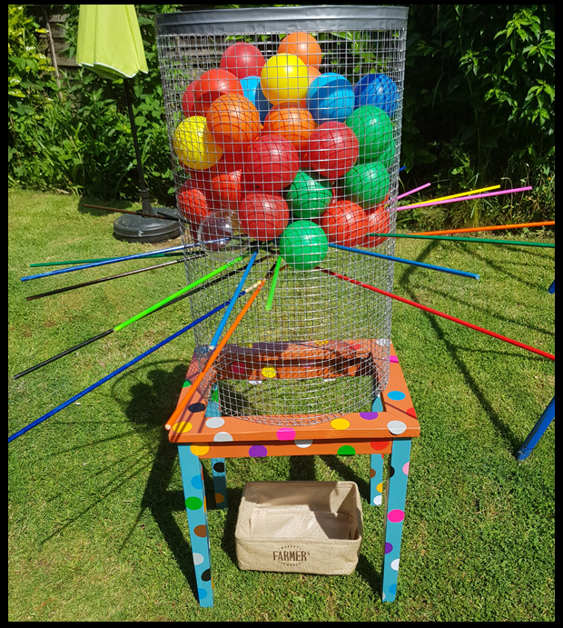 How to create a giant kerplunk game for the garden of fair