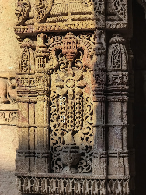Art details at Adalaj Stepwell, Ahmedabad, Gujarat
