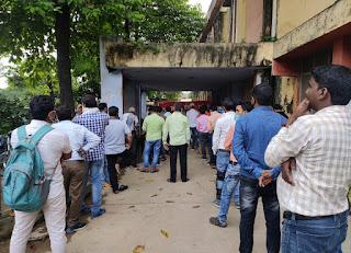 निजीकरण के विरोध में पांचवें दिन भी जारी रहा बिजली कर्मचारियों का प्रदर्शन