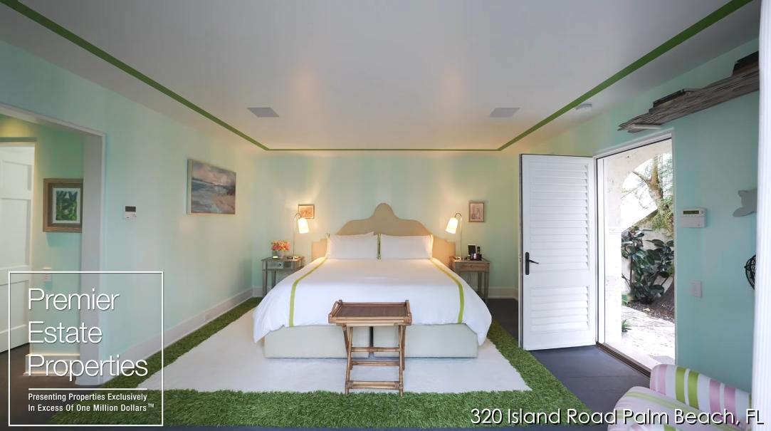 61 Interior Design Photos vs. Touring 320 Island Rd, Palm Beach, FL