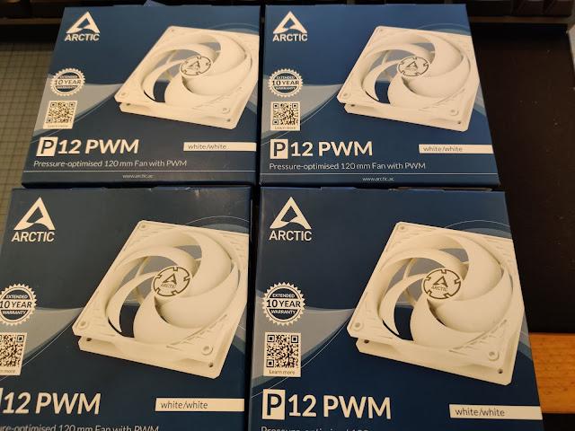 Arctic P12 PWM