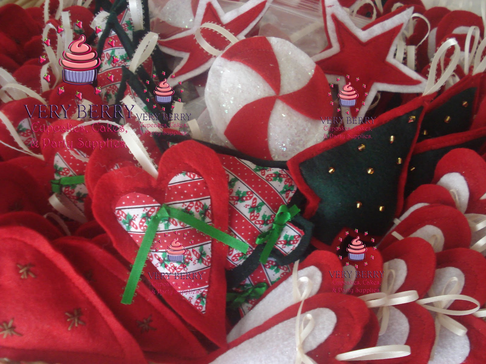 Veryberry Cupcakes Christmas Fabric Ornaments