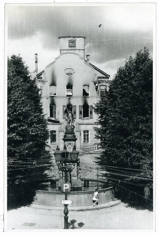 Das Rathaus nach dem Krieg,  Quelle: Stadtarchiv Bensheim, digitale Version LAGIS Hessen Bild 198006