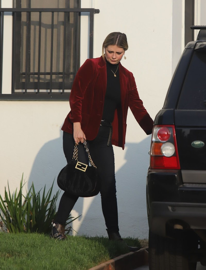 Mischa Barton Clicked While Leaving Her Home in Los Feliz 9 Oct -2020