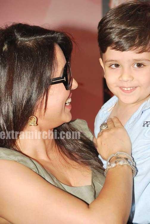 Mahima Chaudhary Huge Cleavage  Hot Actress Sexy Pics-6804