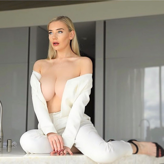 Bethany Lily April Hot Pics