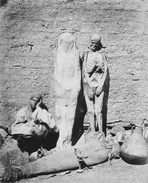 an selling mummies in Egypt, 1875