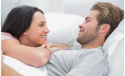 هل ينتقل فيروس سى عن طريق القبلة والعلاقة الزوجية؟