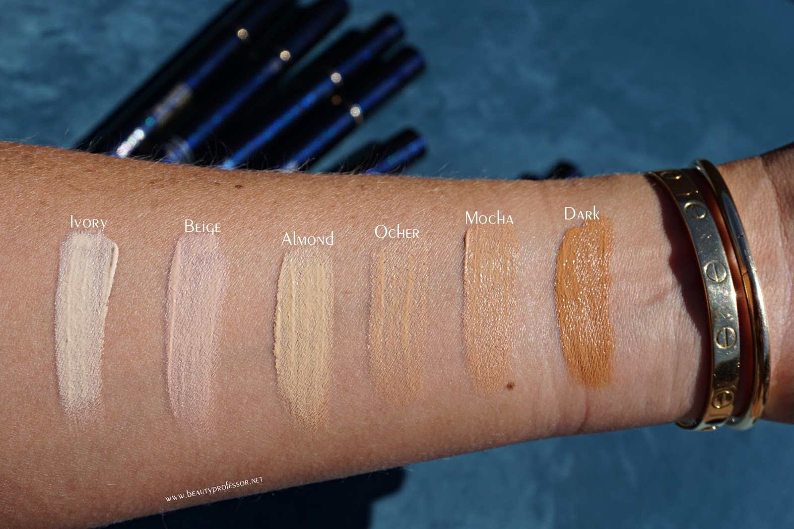 Clé de Peau Beauté Radiant Corrector for Eyes swatches