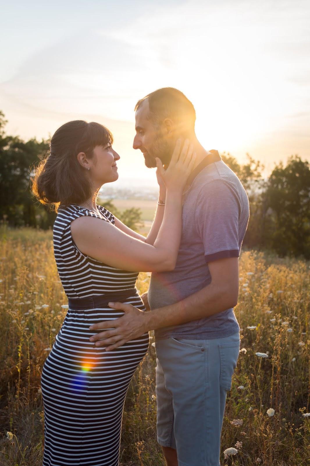 Comment profiter de l'heure dorée pour faire des photos de couple romantiques