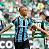 """Grêmio vence o Palmeiras, se garante na Libertadores e """"dá"""" título ao Flamengo"""