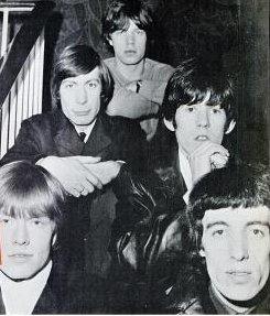 Fotografía en blanco y negro de The Rolling Stones en 1965 para un anuncio comercial en Estados Unidos