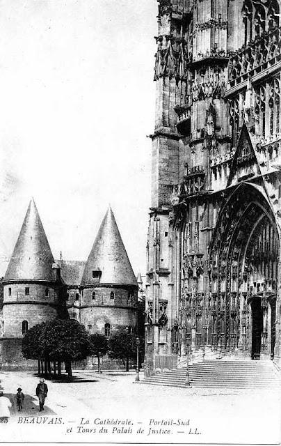 CPA Cathédrale de Beauvais et évêché