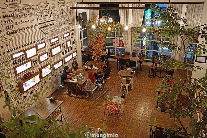Lantai dua Restoran Mak Semarangan berkonsep modern