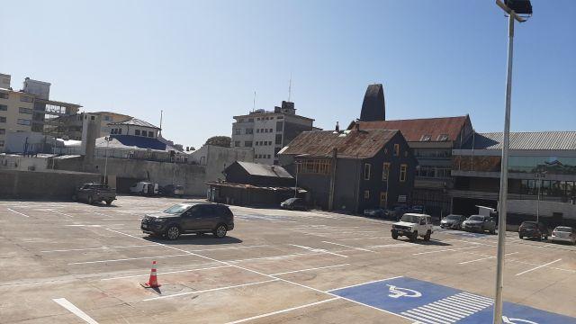 Inauguran amplio estacionamiento en Avda.Mackenna, entre Matta y Cochrane