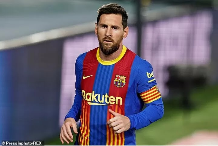 Messi's new Barcelona contract has been delayed until club sell players