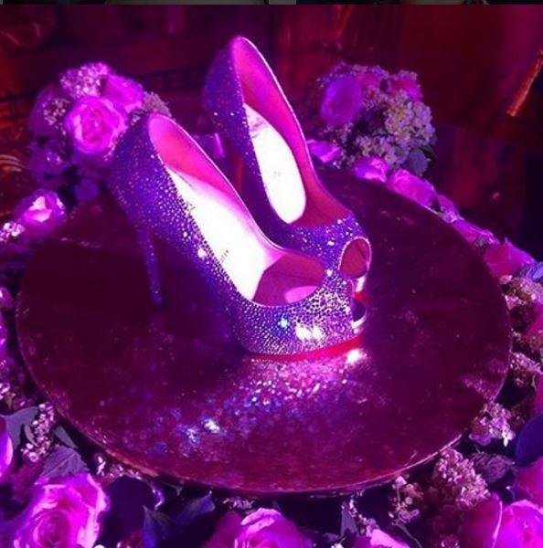 Larissa Manoela, festa de 15 anos, debutante, sapato de cristal