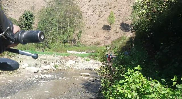 roads in hills of nepal