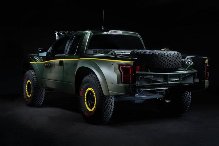 Siêu bán tải Ford F-150 Raptor 'mượn tim' V8 của Chevrolet