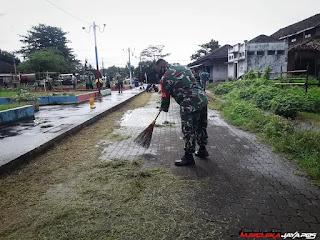 Babinsa dan KKN UNISNU Motivasi Warga Dengan Kebersihan Lingkungan
