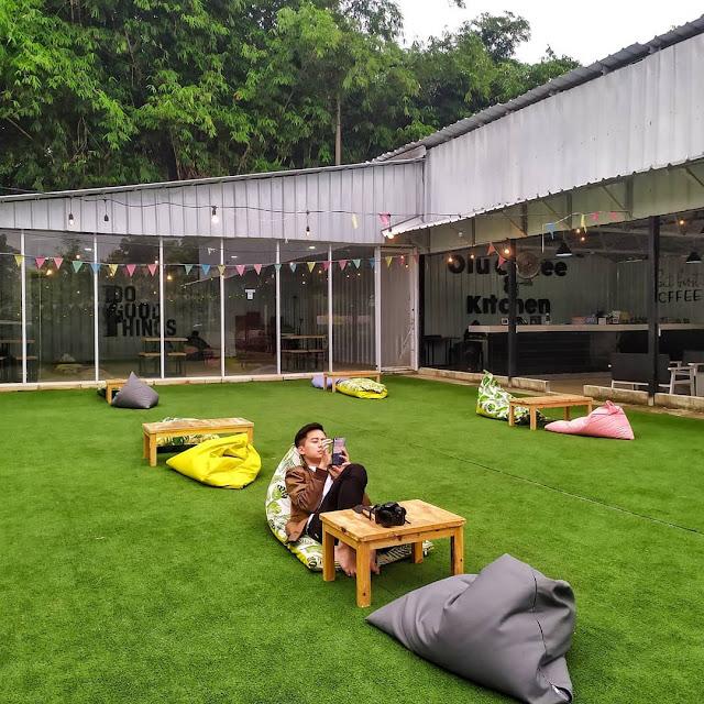 Cafe Lesehan di Bogor