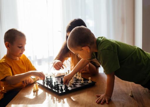 Les échecs développent la mémoire et l'attention en particulier chez les jeunes enfants