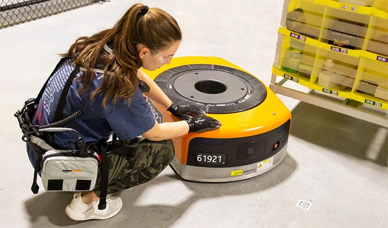 Складские роботы Amazon