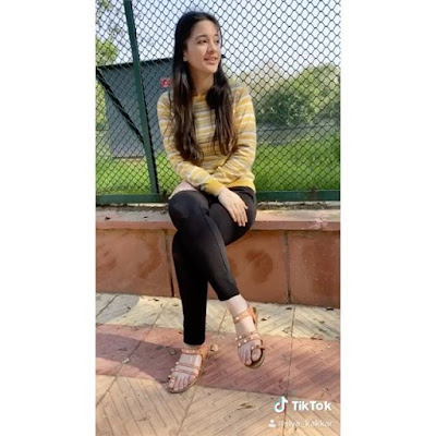 Tiktok Star Siya Kakkar  IMAGES, GIF, ANIMATED GIF, WALLPAPER, STICKER FOR WHATSAPP & FACEBOOK
