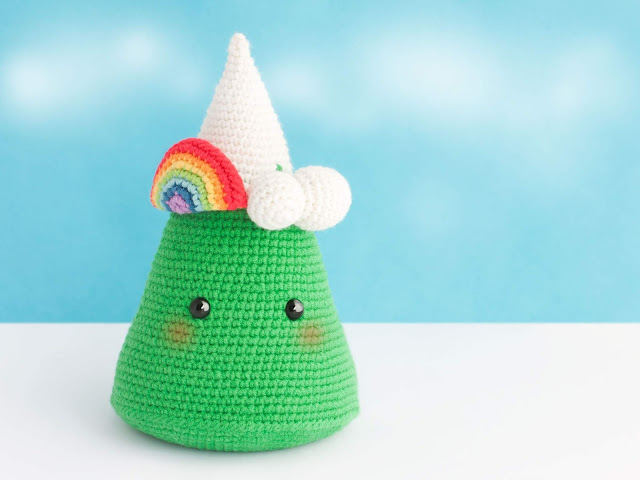 amigurumi-montana-mountain-rainbow-crochet