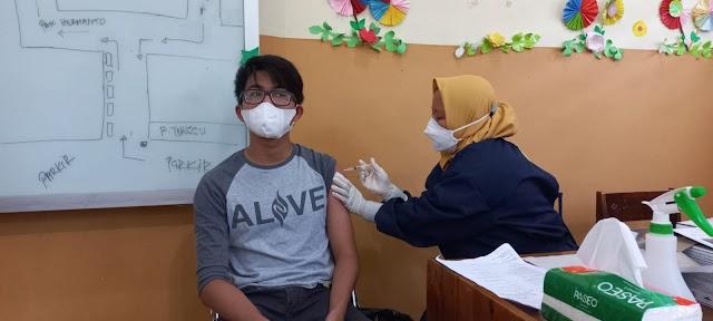 Presiden Jokowi Minta Percepatan Vaksinasi di Provinsi dengan Capaian di Bawah 20%