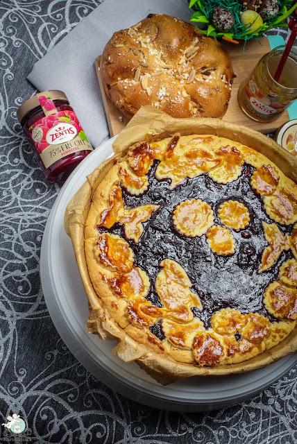 einfache Osteridee - Kuchen mit Marmelade und Marzipan