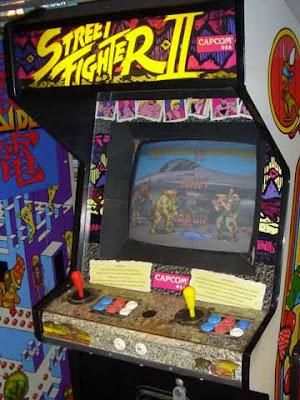 Il cabinato arcade della sala giochi di Street Fighter II