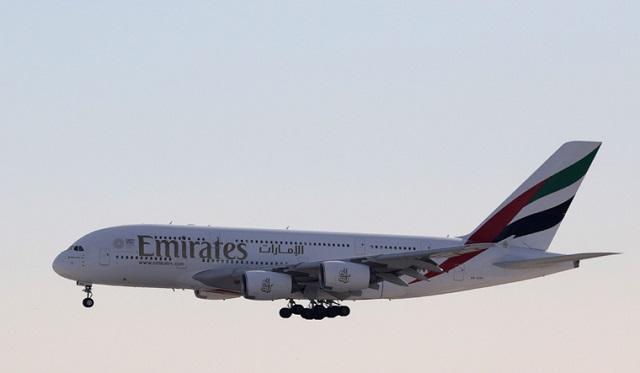 طيران الإمارات تحظر أجهزة MacBook Pro من الطيران
