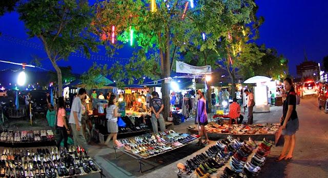 Walking Tour Belanja di Phuket Town Thailand