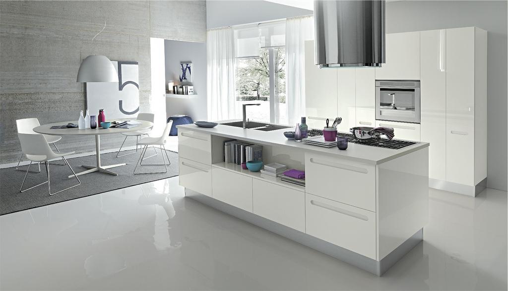 Hogares frescos cocinas abiertas modernas y con algunos for Cocinas italianas modernas