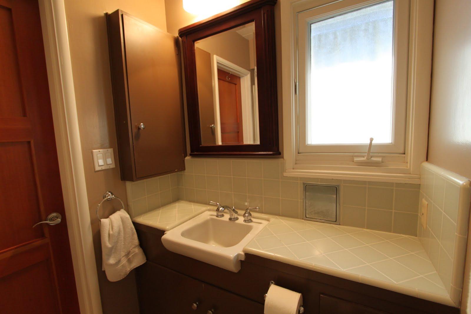 Modern Bathroom: 3 Mid-century Bathrooms Remodeled