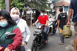 Petugas Gabungan di Pekayon Mulai Sekat Jalur Tikus di Permukiman Warga Pasar Rebo