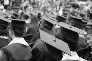 Marx Rodrigues Qual a diferença entre pós-graduação lato sensu e stricto sensu?