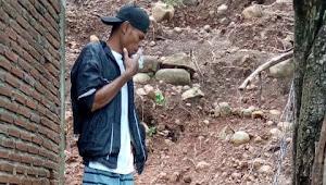 Kades Mandala Harus Tanggung Jawab: Tanggul  di Dusun Saniu Ambruk Lagi,  Rumah Warga Jadi Korban