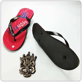alasan memilih sandal ini? karna sandal ini murah dan pas di kantong