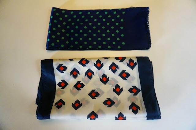 polka scarf arrow blue red white green 70s 1970 années 70 foulard pois yves rocher