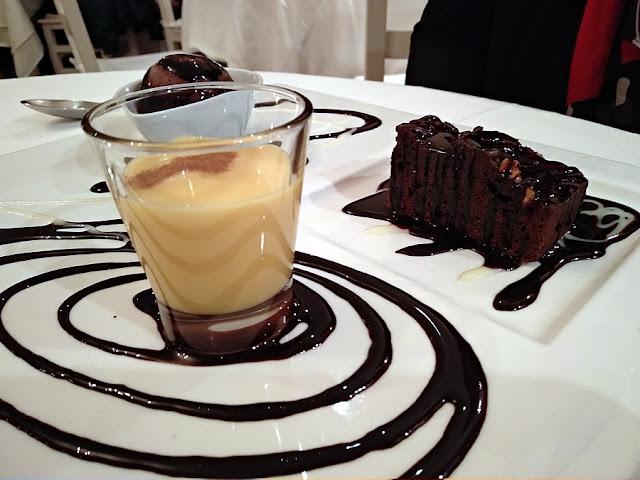 natillas, brownie y helado chocolate restaurante mar de ardora postres