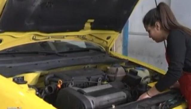 Πύργος: Η 13χρονη μηχανικός αυτοκινήτων