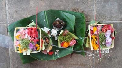 Jenis-jenis Banten Segehan Makna, Tempat Menghaturkan beserta Doanya