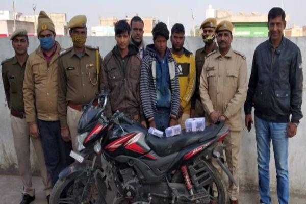 जयपुर: बावरिया गैंग के तीन नकबजनों को दबोचा, चोरी की बाइक और आभूषण बरामद