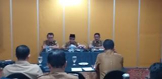 Staf Ahli Gubernur Jambi Bidang Kesramas Secara Resmi Membuka Rakor Pemantauan Ketenagakerjaan Dan LKS Tripartit.