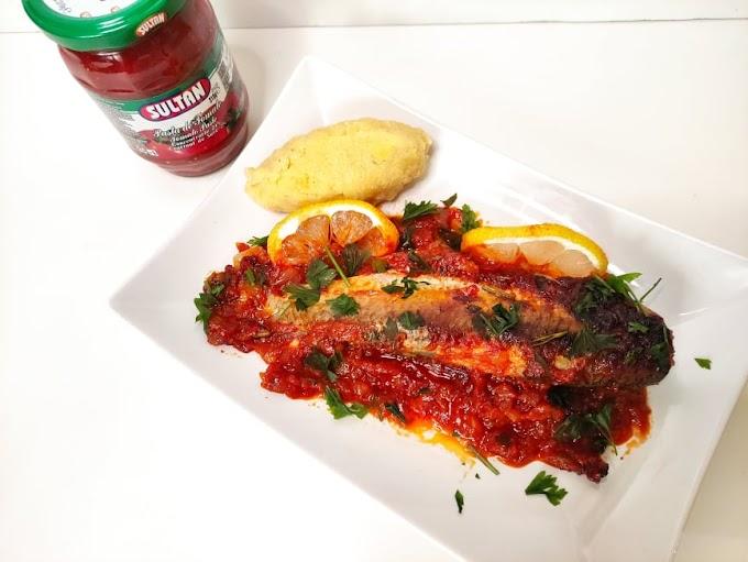 Pește cu sos de roșii la cuptor